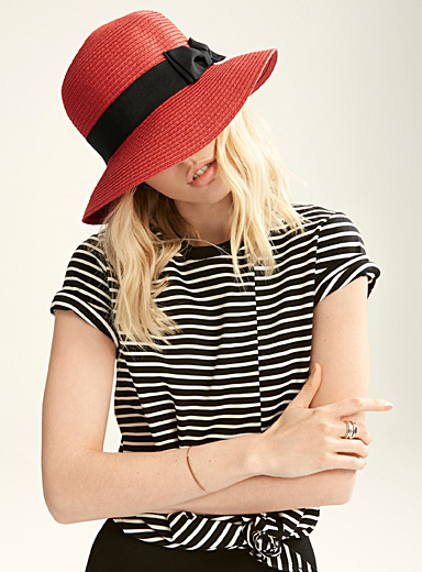 Accent bow straw cloche