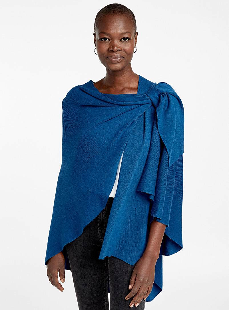 Finely knit draped shawl - Capes & Ponchos - Teal