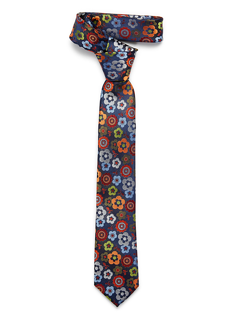 playful-flower-tie