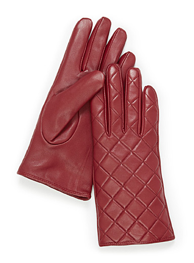 Minimalist quilted leather gloves