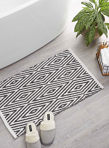 Nomad diamond bath mat  20&quote; x 32&quote;