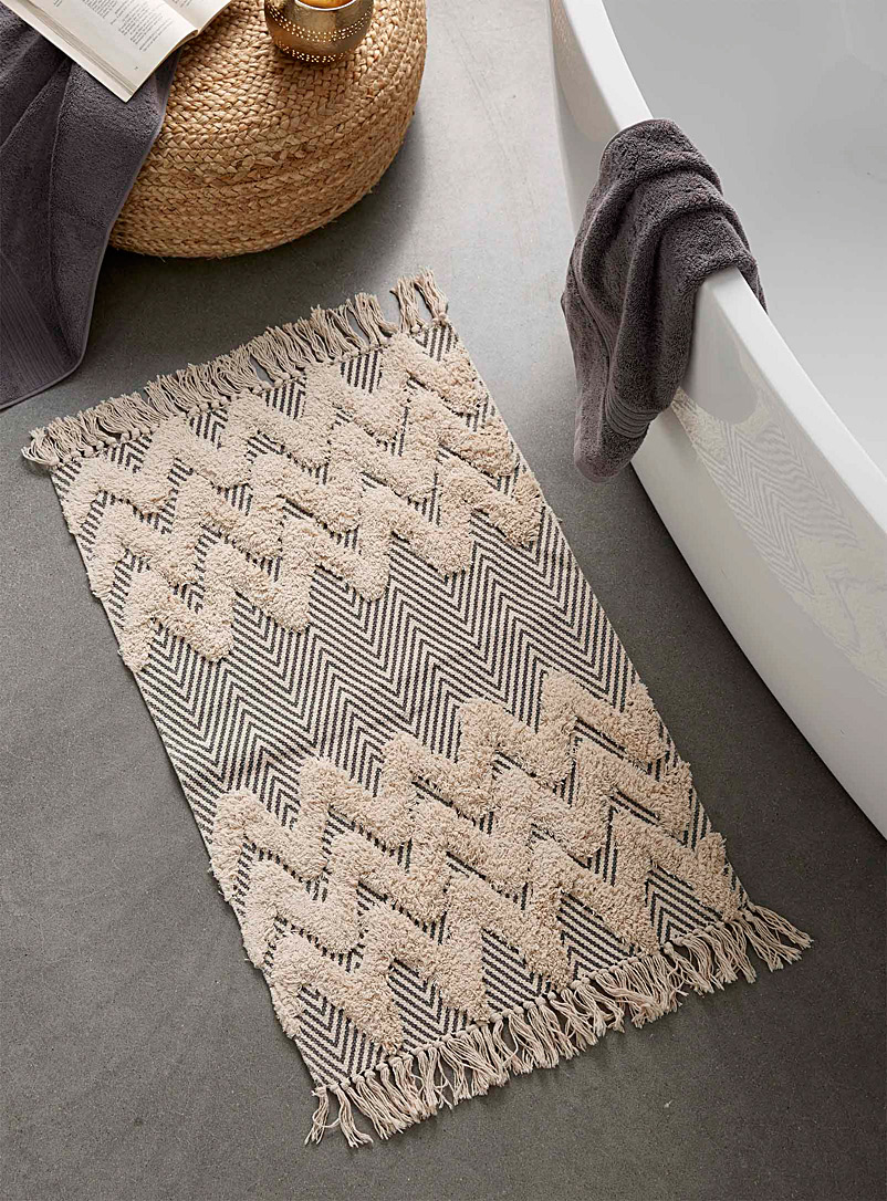 "Textured chevron bath mat  20"" x 30"""