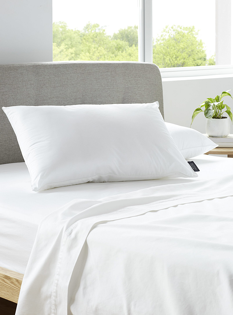 Firm Sonatine pillow  Hypoallergenic synthetic - Bedding - White
