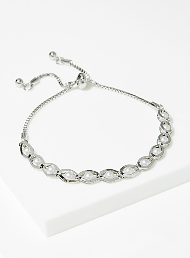 Chain and mother-of-pearl bracelet