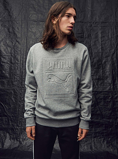 Le sweat logo embossé