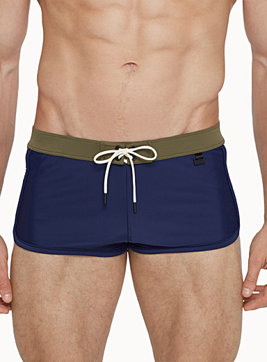 Contrast-block fitted swim trunk