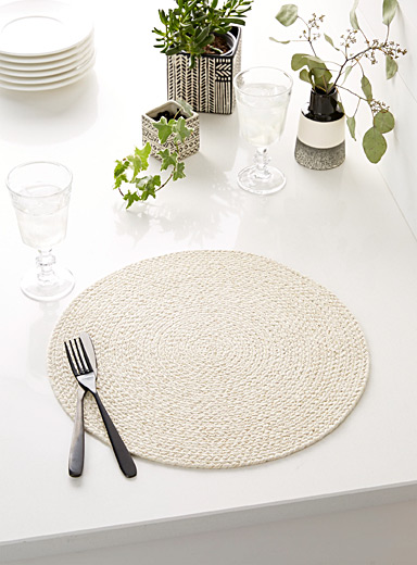 Golden threads braided placemat