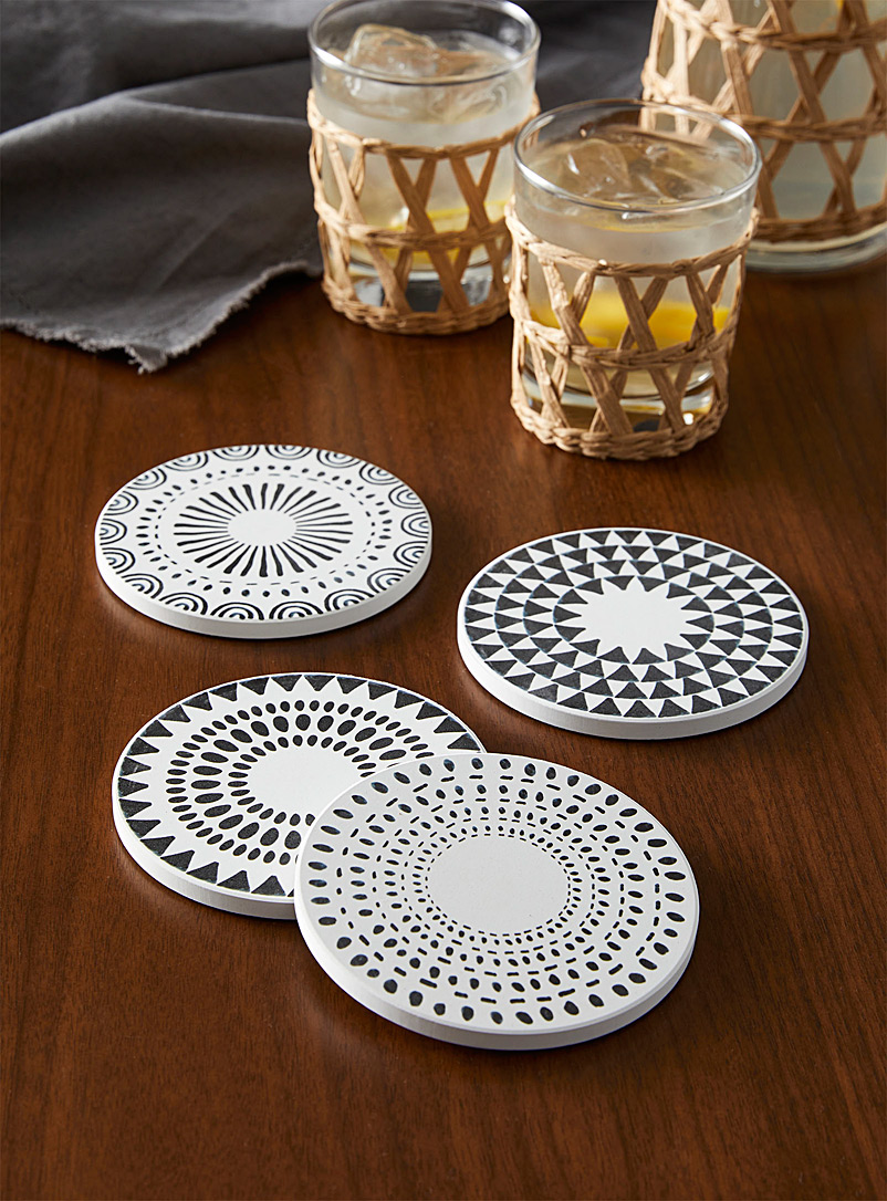 Danica Patterned Black Optical illusions coasters Set of 4