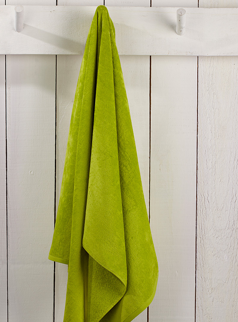 Tropical beach towel  86 x 160 cm - Bath Sheets & Beach Towels - Lime Green