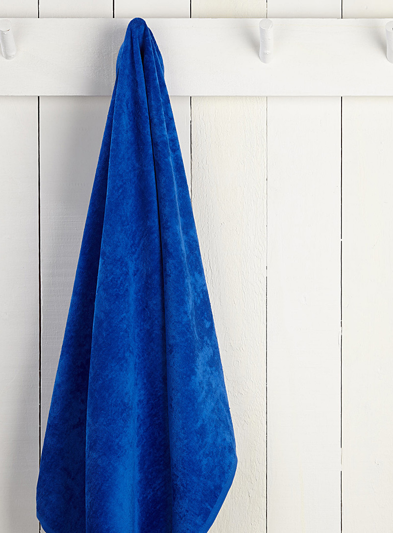 Tropical beach towel  86 x 160 cm - Bath Sheets & Beach Towels - Sapphire Blue