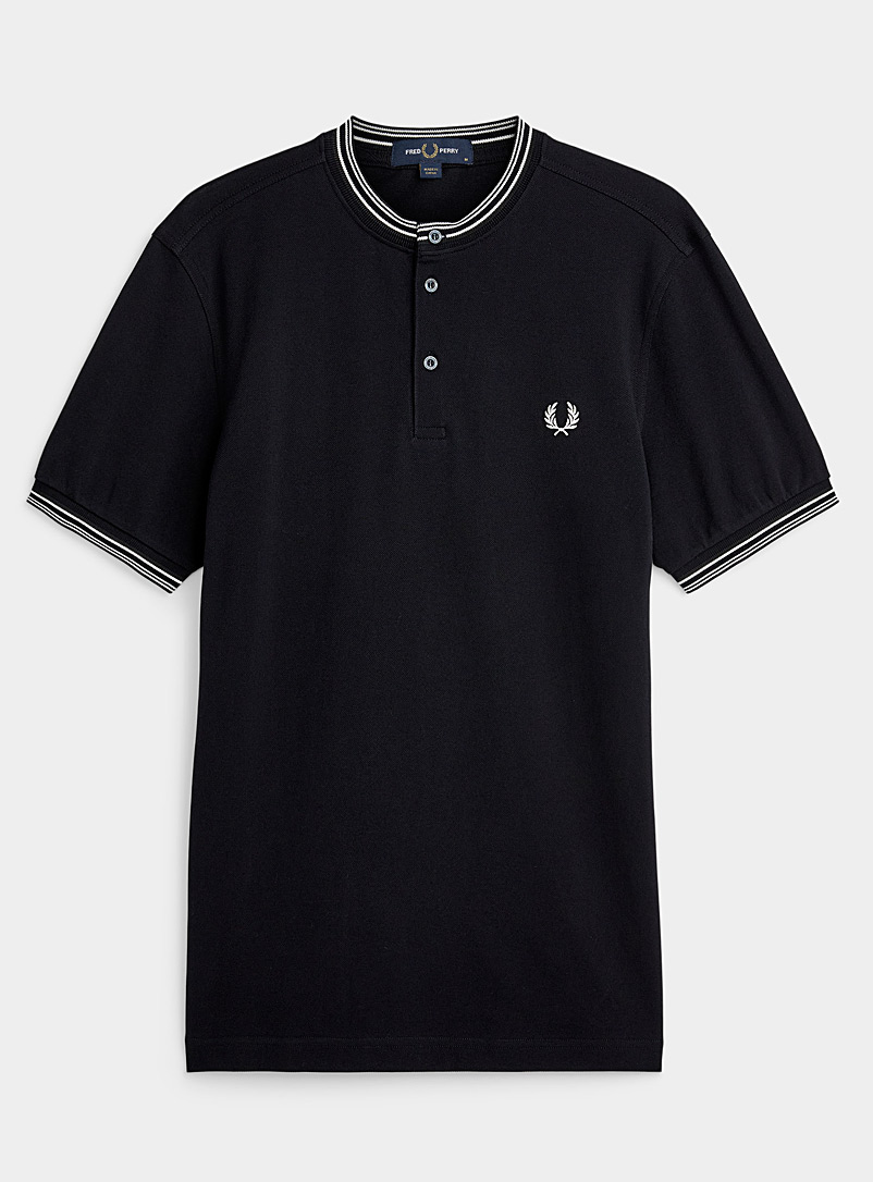Fred Perry: Le t-shirt henley bords rayés Marine pour homme