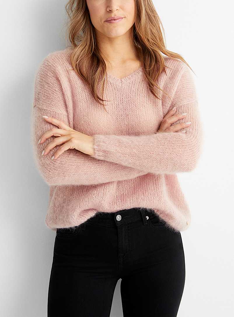 Le pull mohair col V