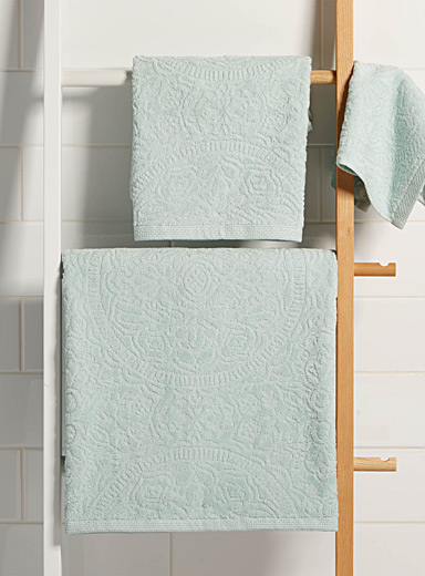 Velvet medallion towels