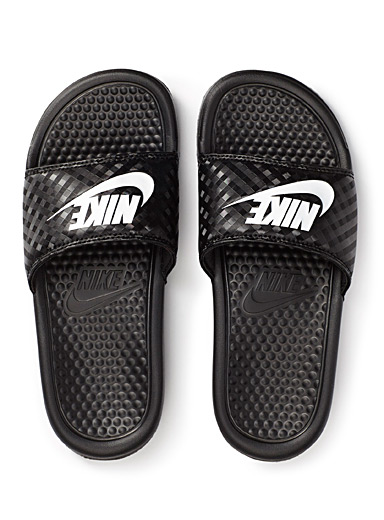 Benassi slides <br>Women