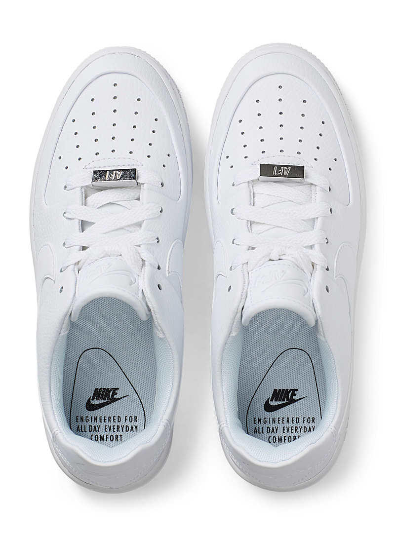 Le sneaker plateforme Air Force 1 Sage Low  Femme - Sneakers - Blanc