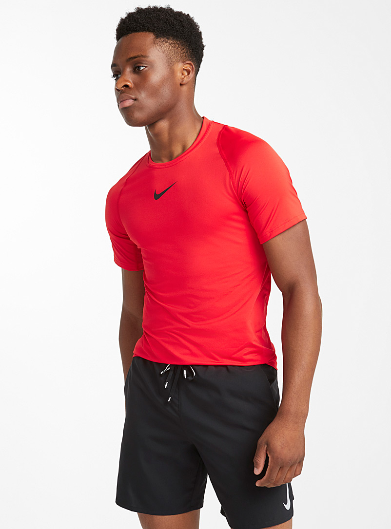 Nike Pro fitted tee - Running - Ruby Red