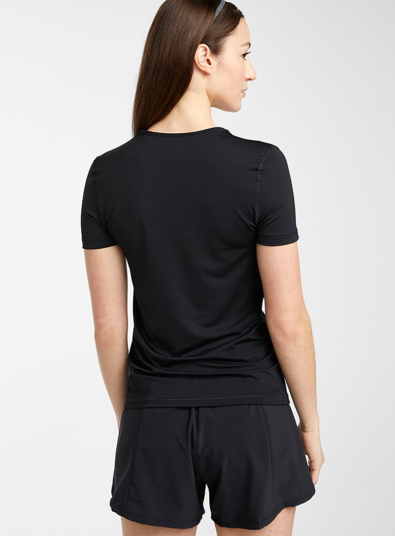 Micro perforated training tee - T-shirts - Black