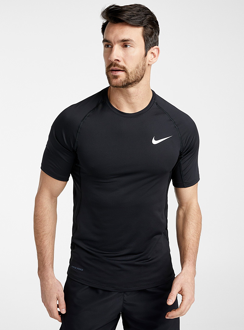 Nike Black Nike Pro ergonomic T-shirt for men