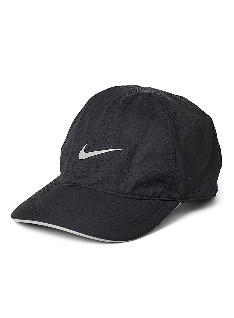 Nike Black Aerobill featherlight cap for men