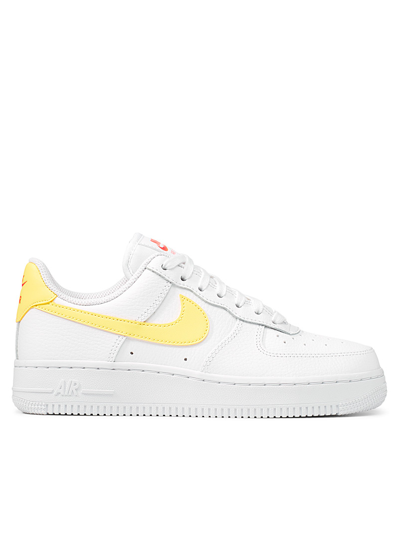Tangerine-accent Air Force 1 '07 sneakers Women