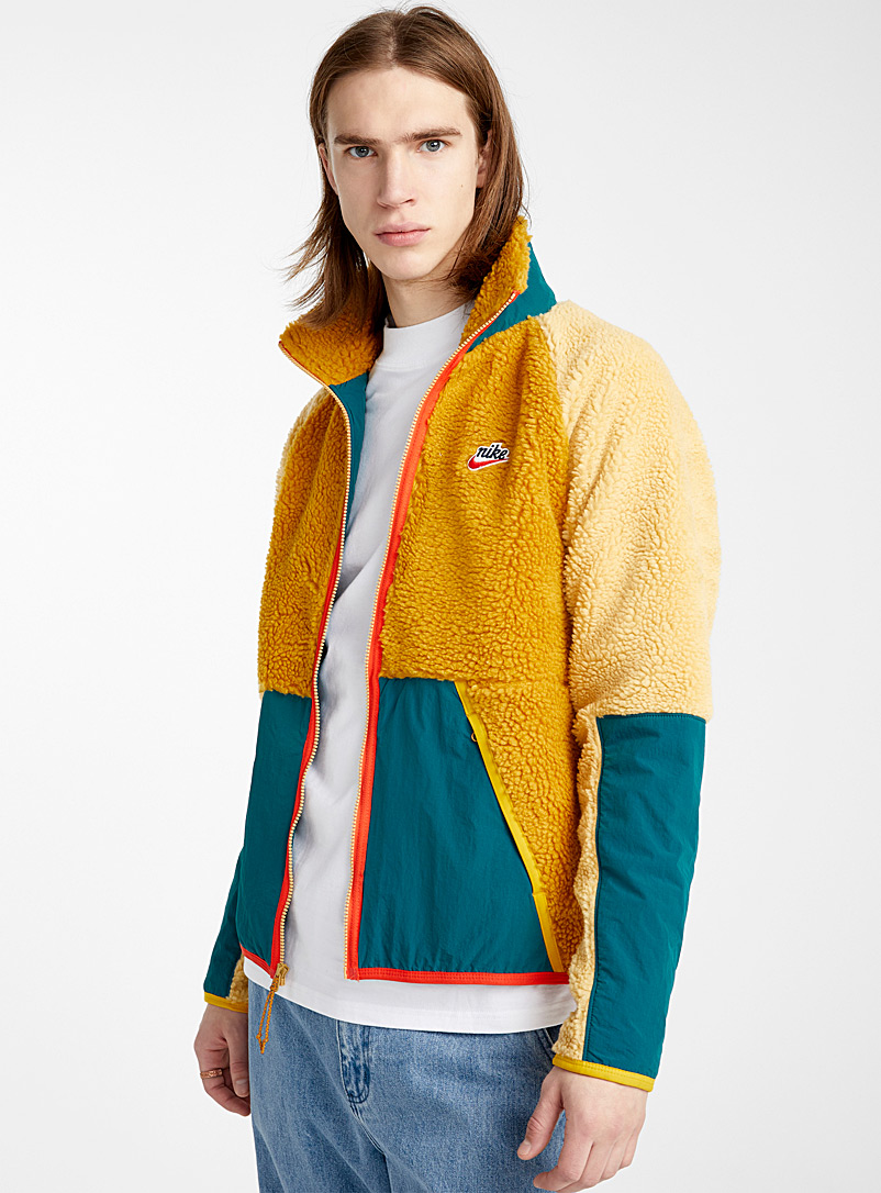 retro-trek-sherpa-jacket