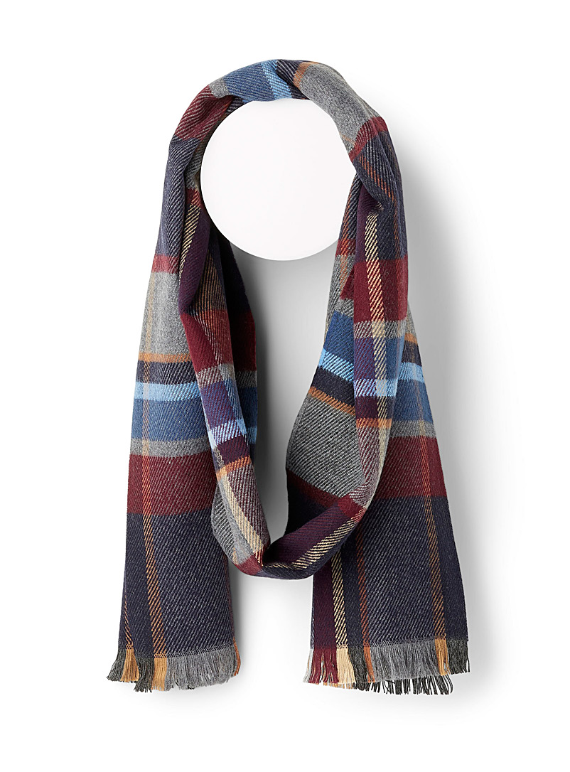fall-coloured-check-scarf