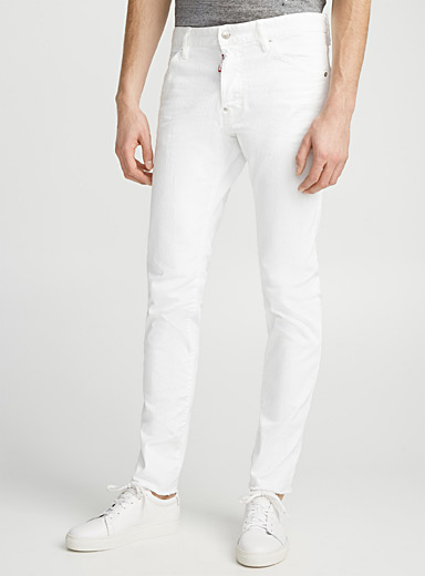 Le jeans blanc Cool Guy finition effilochée  Coupe étroite