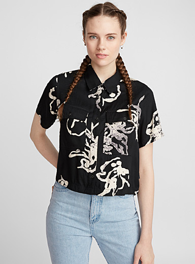 Abstract cropped shirt