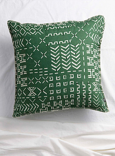 Linear symbol Euro pillow sham