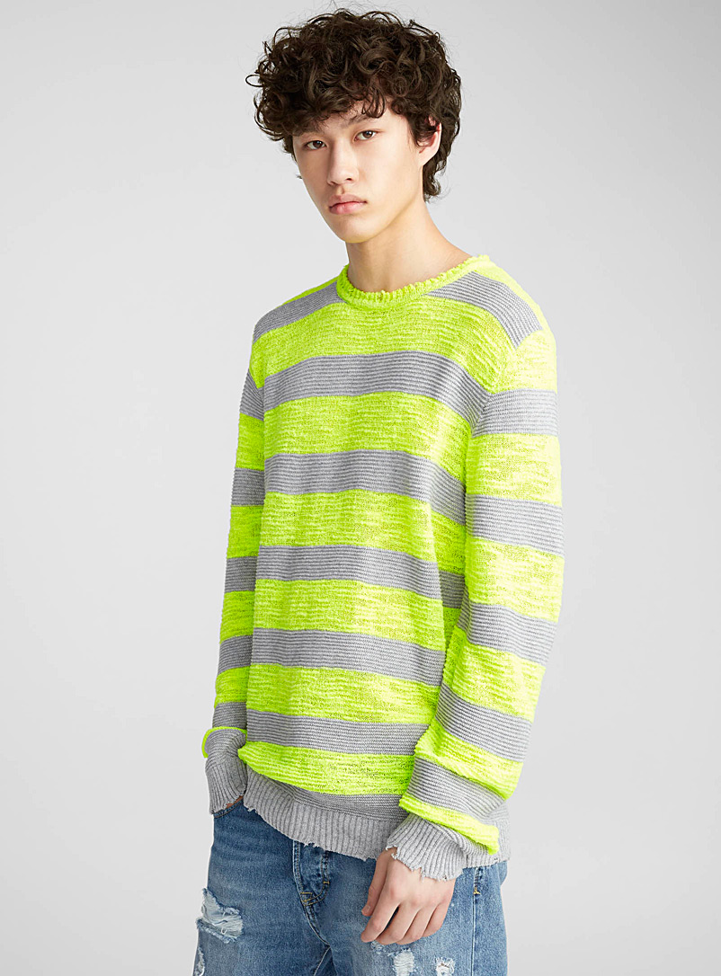 le-pull-rayure-neon