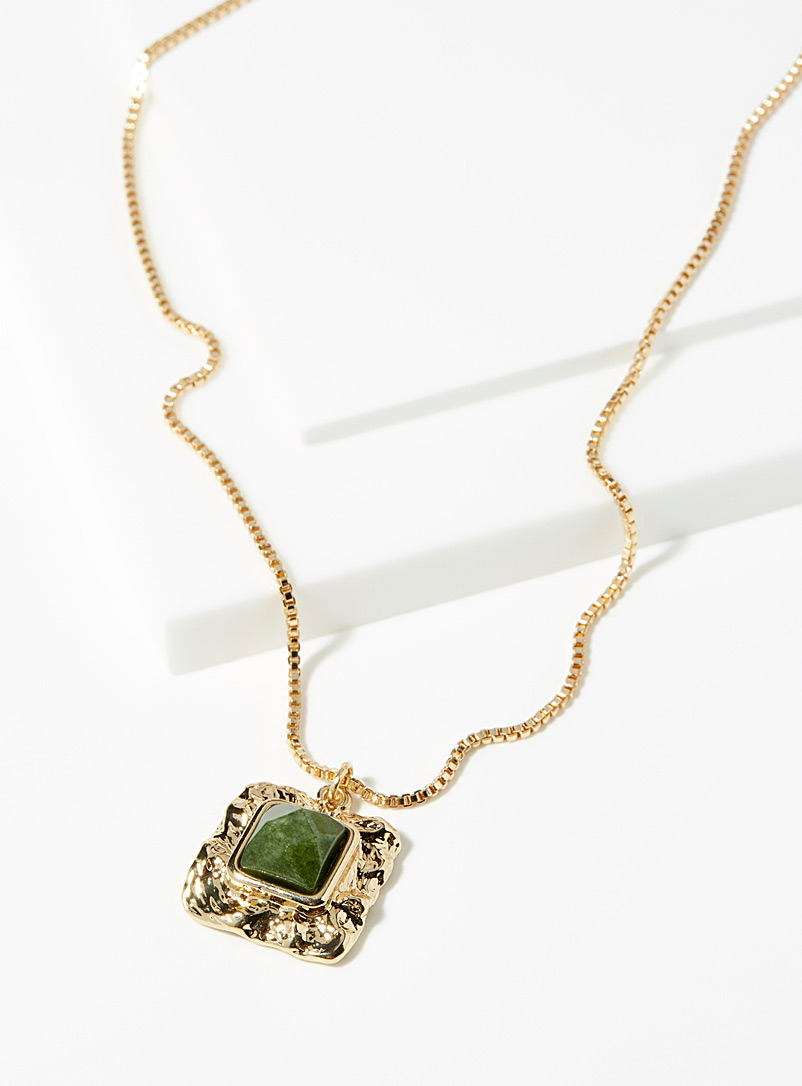 olive-stone-necklace