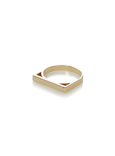 Right angles ring