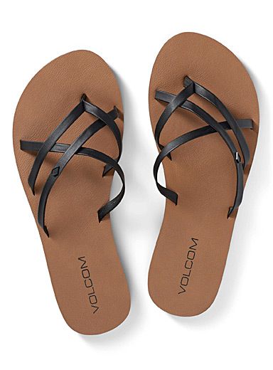 New School II flip-flops
