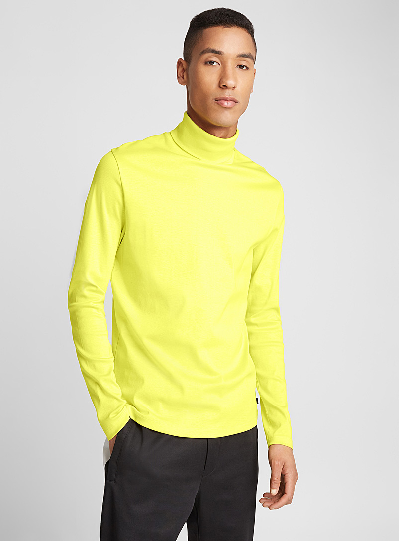 jersey-turtleneck-t-shirt