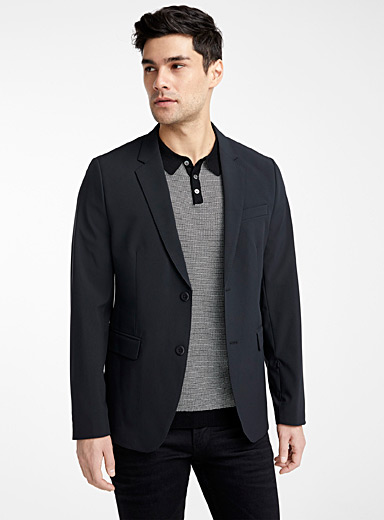 Chic sports jacket <br>Semi-slim fit