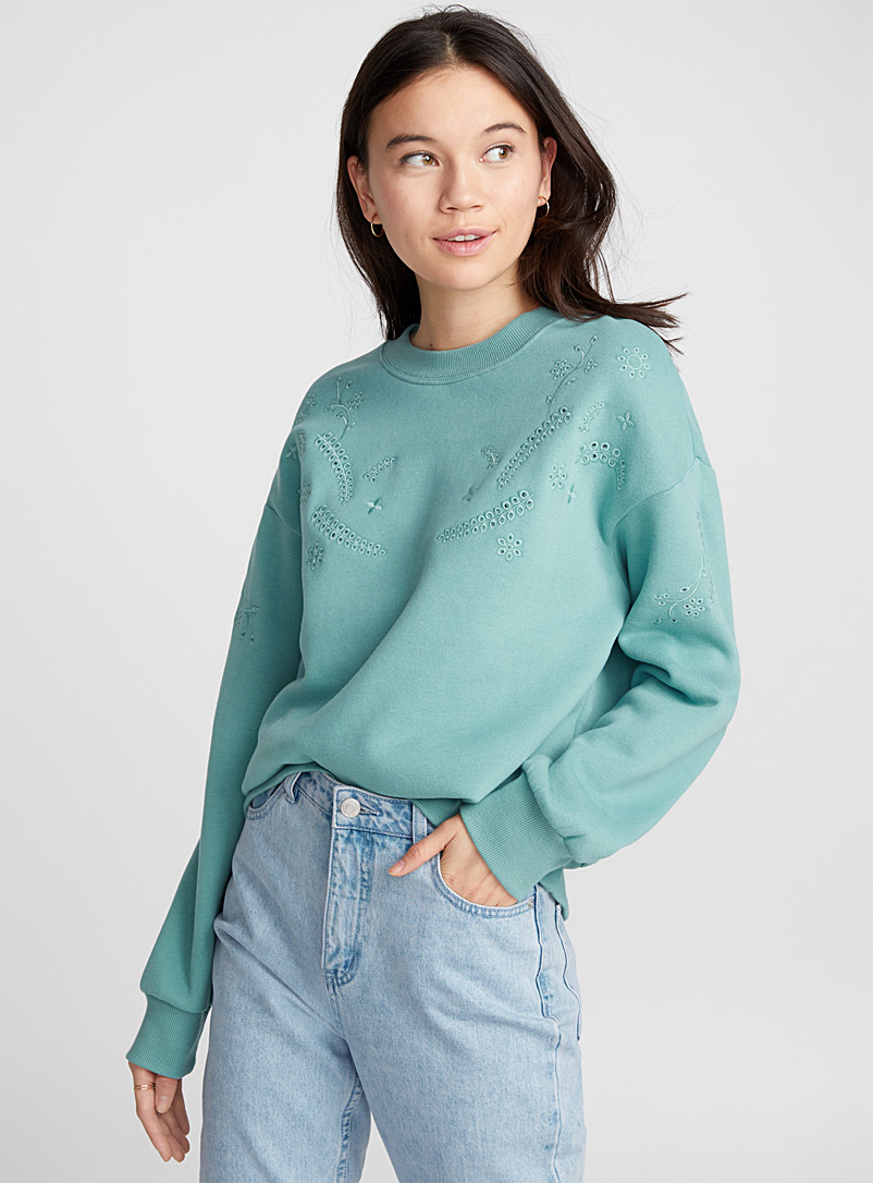 le-sweat-broderie-anglaise