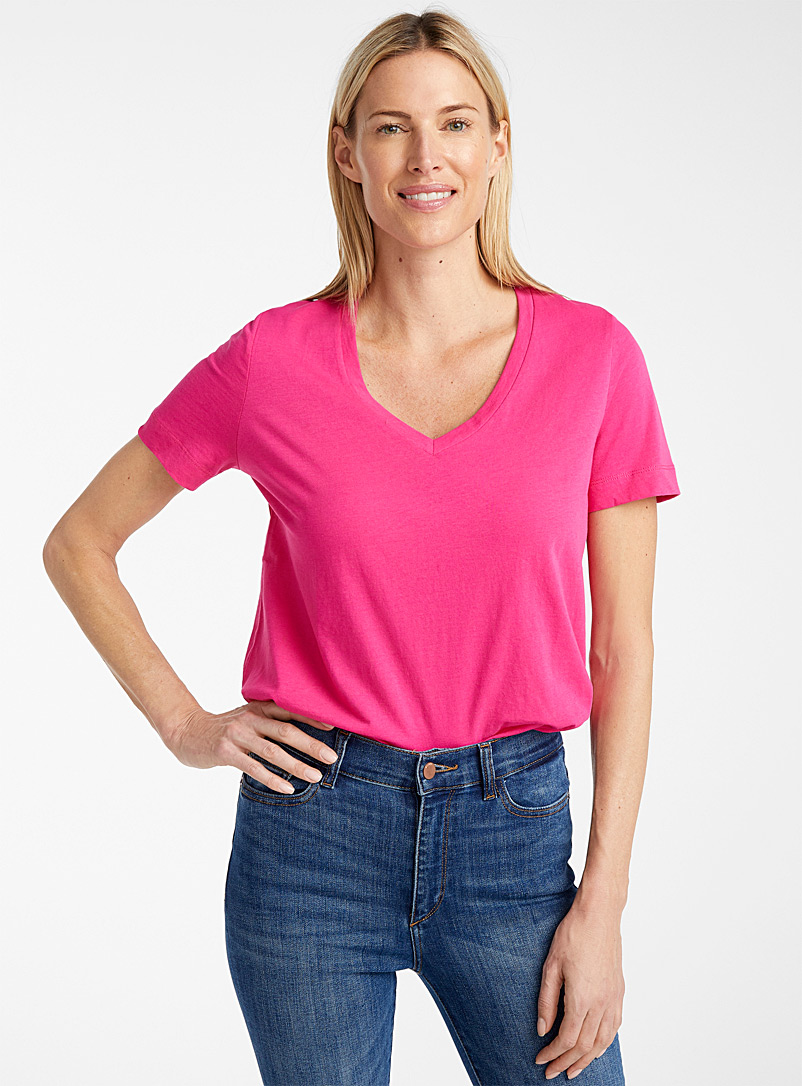 Contemporaine Coral Organic cotton V-neck tee for women