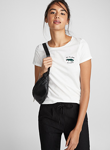 Accent embroidery tee