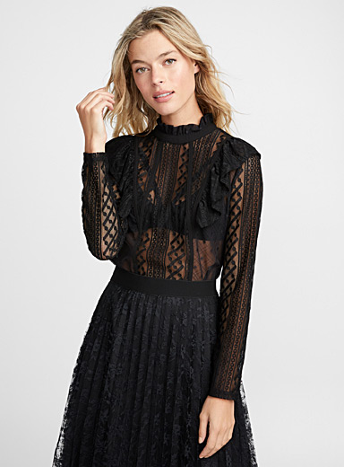 Geo lace band blouse