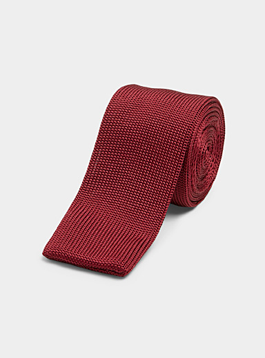 Coloured knit tie
