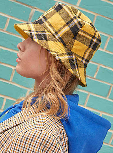 Retro check bucket hat