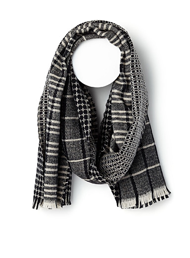 Two pattern scarf