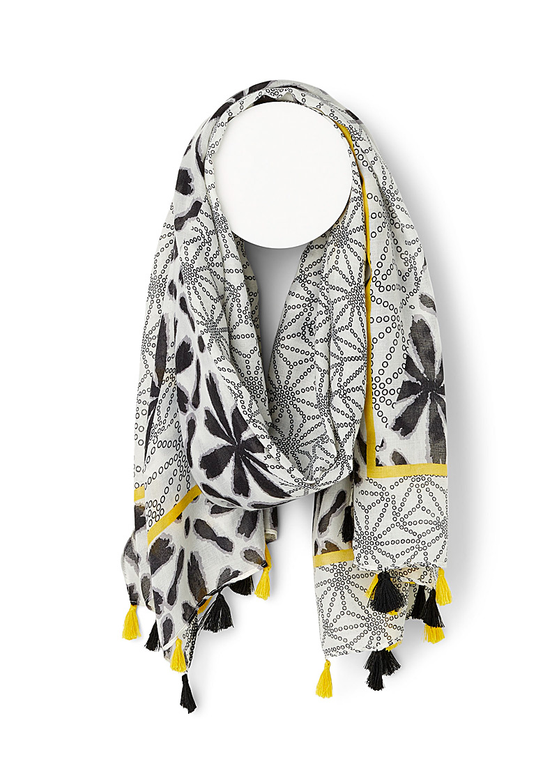 Sarajane Patterned Black Two-tone tassel scarf for women