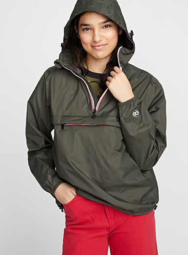 Packable waterproof anorak