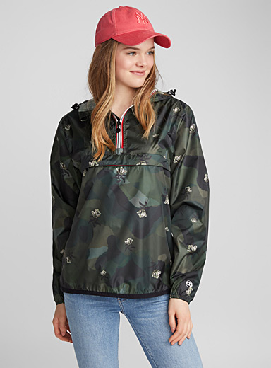 Packable print raincoat