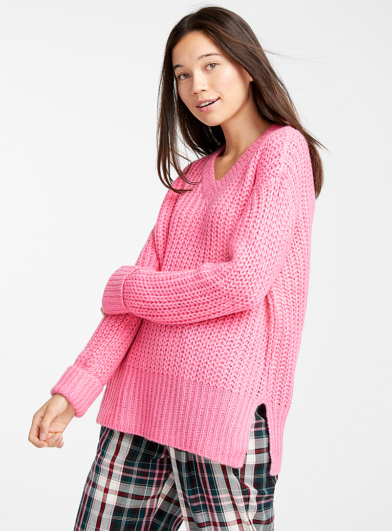 v-neck-ribbed-knit-sweater