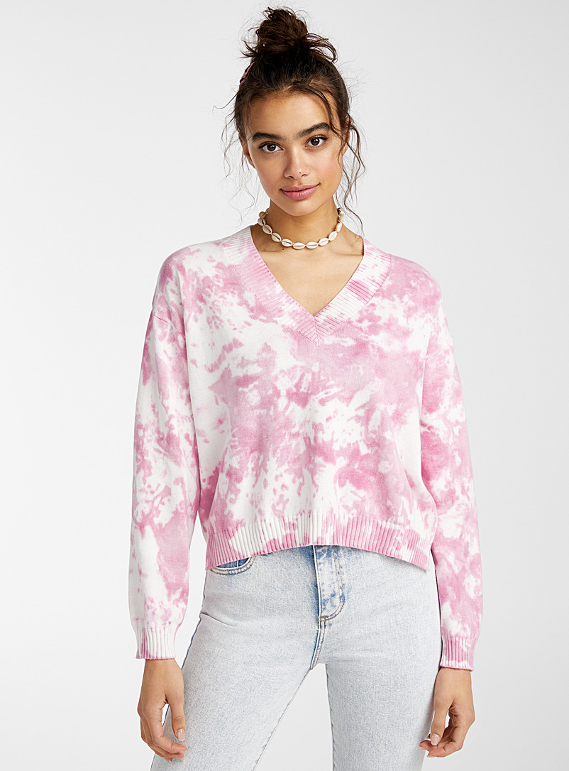 le-pull-court-col-v-tie-dye