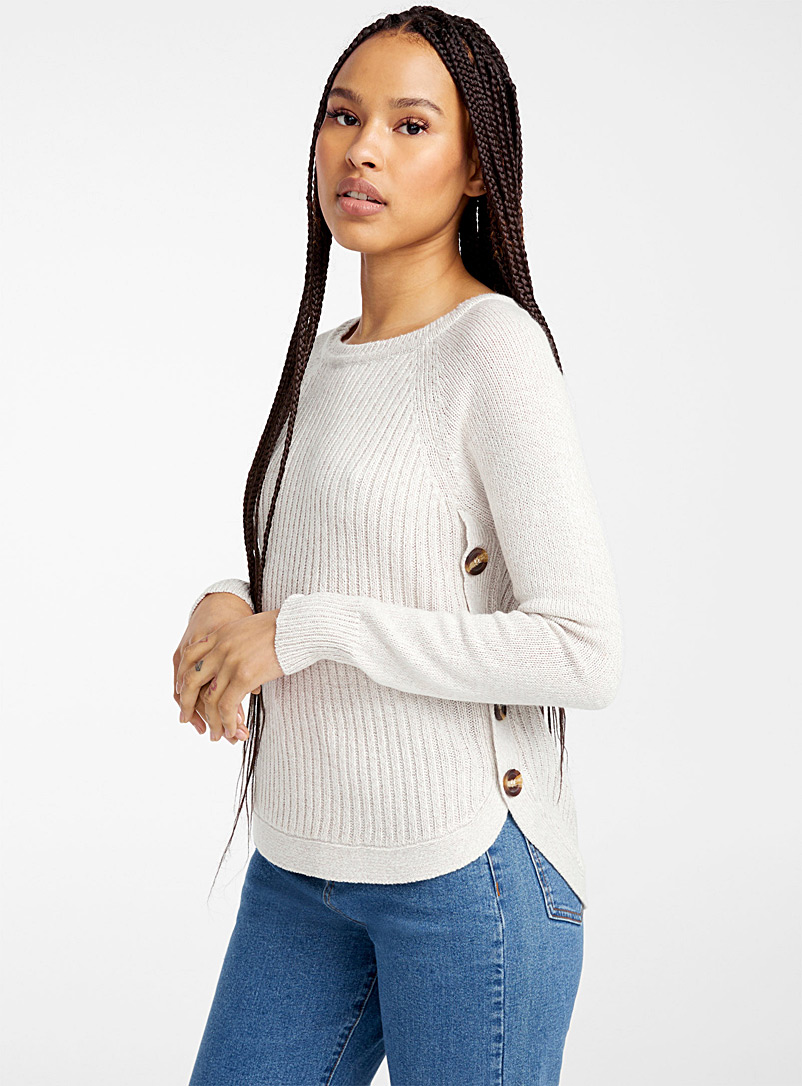 Side button ribbed sweater