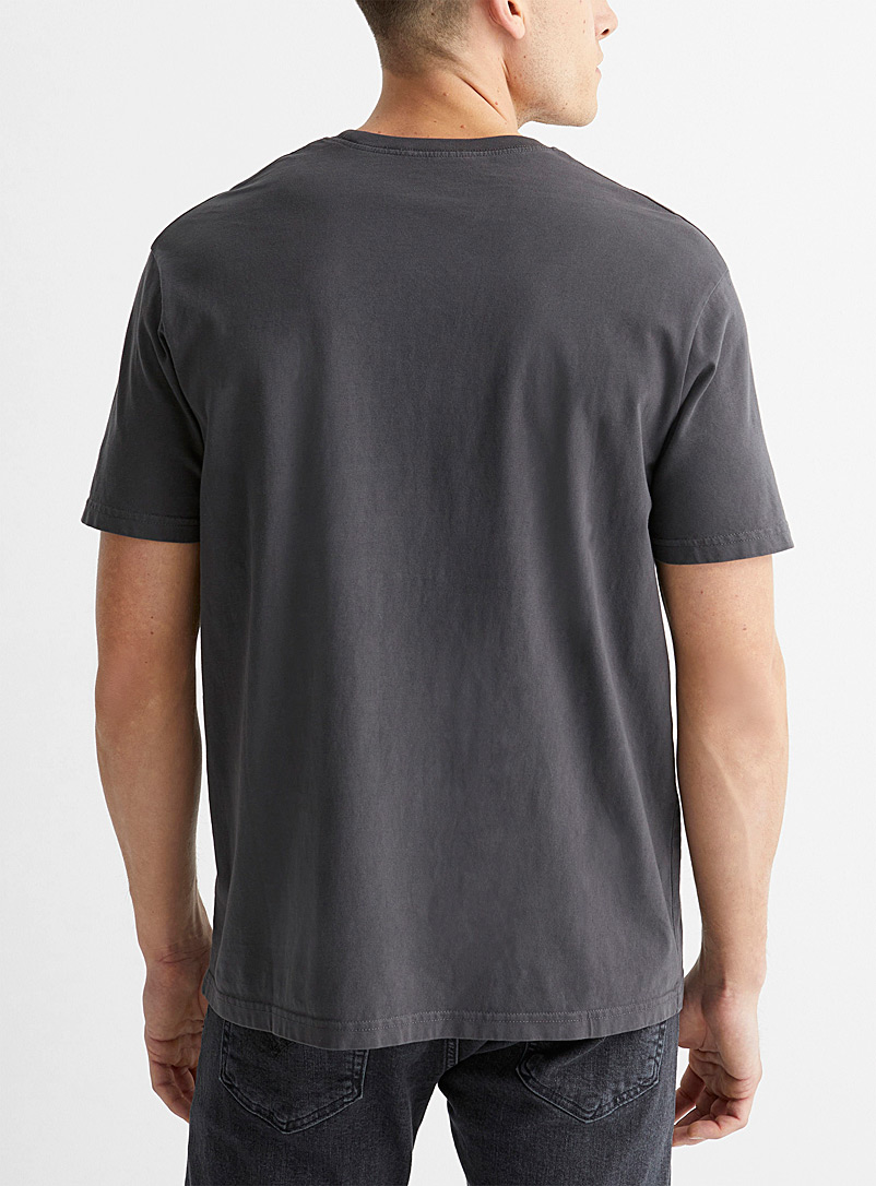 Le 31 Charcoal Solid pocket T-shirt for men