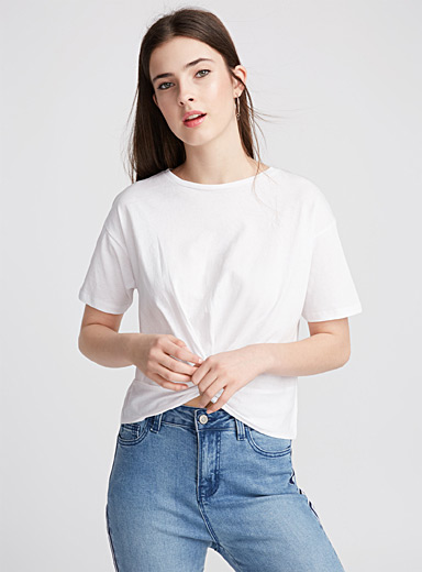 Loose knot tee